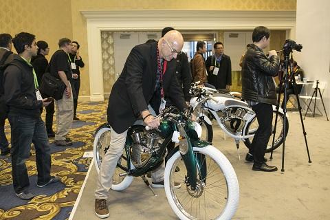 中國門羅兩輪電動車驚豔CES國際大展