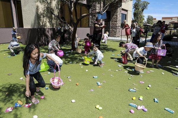 維加斯中文學校 復活節撿彩蛋活動