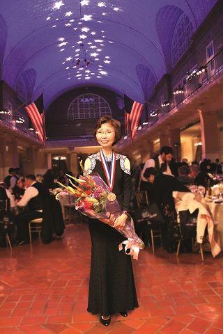 國泰銀行曾翁若梅女士榮獲2017年艾利斯島傑出移民獎