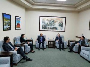 羅林泉總領事參訪文協藍天文化中心