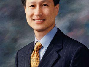 華美銀行董事長兼最高執行長吳建民